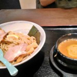 江坂駅徒歩8分のラーメン屋さん『三麺流武者麺』